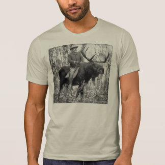 Teddy Roosevelt Riding A Bull Moose Tシャツ
