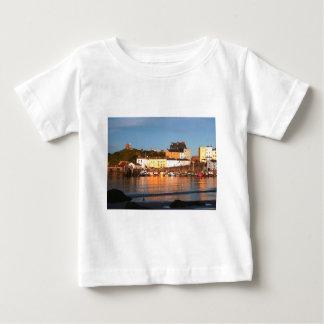 Tenby、南ウェールズの港 ベビーTシャツ