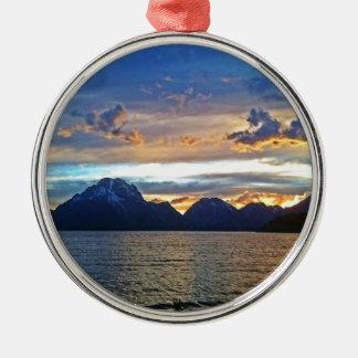 Tetonの壮大な国立公園の日没 メタルオーナメント