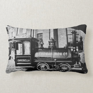 Thomas Iron Companyの装飾用クッション ランバークッション