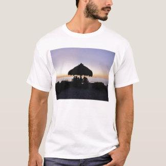 Tikiの影 Tシャツ