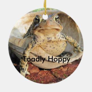 Toadlyのおもしろいなホップの豊富なヒキガエル 陶器製丸型オーナメント