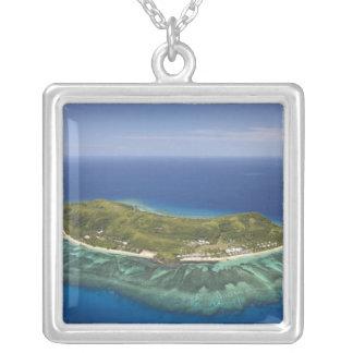 Tokorikiの島、Mamanucaの島、フィージー シルバープレートネックレス