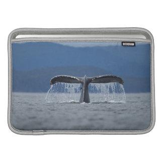 Tongassの国有林、Humpback MacBook スリーブ