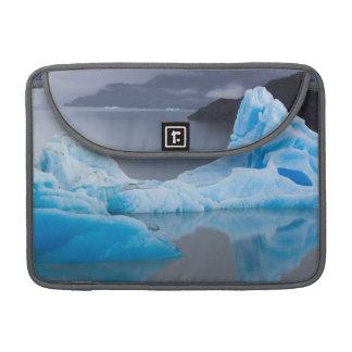 Torres del Paineの国立公園、氷氷 MacBook Proスリーブ