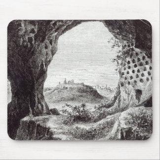 Toscanellaの遠い眺めの納骨堂、 マウスパッド