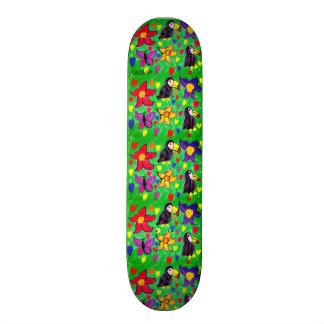 Toucanの花の蝶 スケートボード