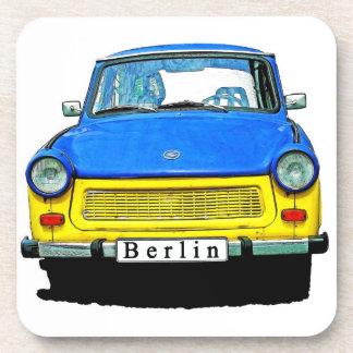 Trabant車の前部、ベルリン青及び黄色 コースター