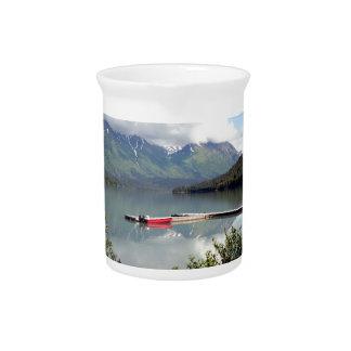 trail湖、アラスカのボート ピッチャー
