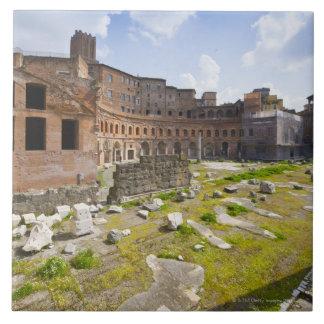 Trajanの市場(ラテン: Mercatus Traiani、2 タイル