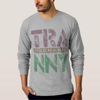 TRANNYの整備士-愛は伝達、プラムを再建しました Tシャツ