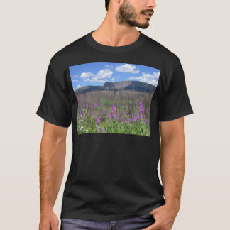 trapper's湖のFireweedの花 Tシャツ