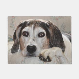 Treeingの歩行者のCoonhound犬 ドアマット