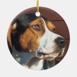 Treeingの歩行者のCoonhound セラミックオーナメント
