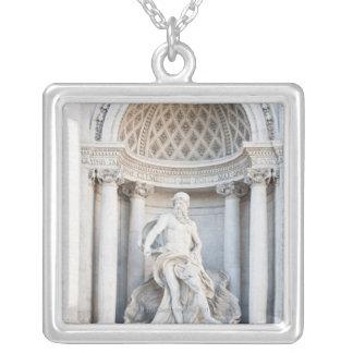 Treviの噴水(イタリア語: Fontana di Trevi) 3 シルバープレートネックレス