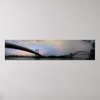 Triboroughおよび地獄のゲート橋パノラマ ポスター
