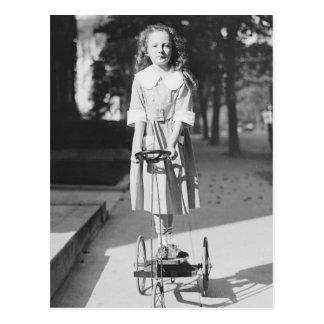Tricycle 1918年に乗っている女の子 ポストカード