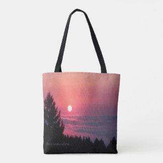 Trinity郡、カリフォルニアの日没… トートバッグ
