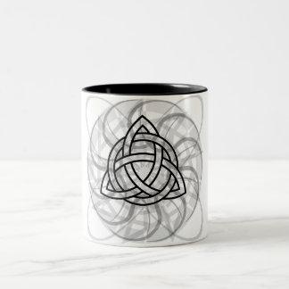 Triquetraの種族の入れ墨 ツートーンマグカップ