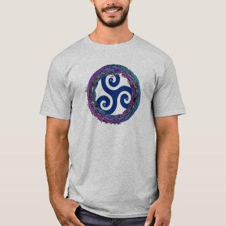 Triskeleケルト族の織り交ぜられたEnsoのデザインのTシャツ Tシャツ