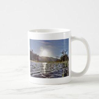 trout湖のPeacefull水 コーヒーマグカップ