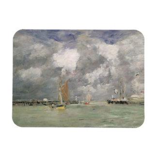 Trouville、c.1892-96 (パネルの油)の満潮 マグネット
