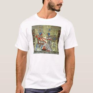 Tutankhamunの王位 Tシャツ