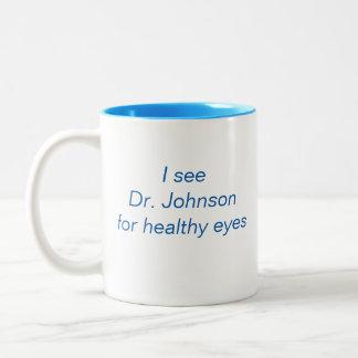 """TVC_ """"私は会いますジョンソン先生に…"""" -- 高度のoptometry ツートーンマグカップ"""