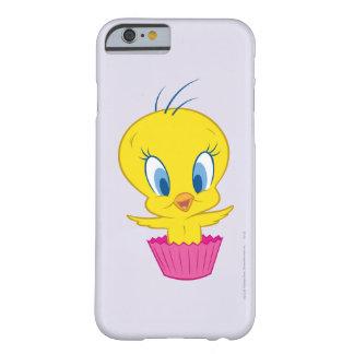 TWEETY™のカップケーキ BARELY THERE iPhone 6 ケース