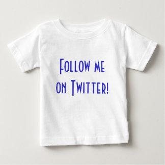 Twitterの私を後を追って下さい! ベビーTシャツ