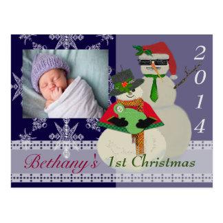 Uの一突き色の雪だるまの第1ベビーの初めてのクリスマス ポストカード