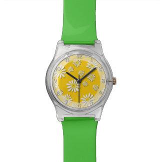 U一突き色のお洒落な野生の花のデイジーは振りかけます 腕時計