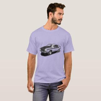 U一突き色の挑戦者クラシックな車のTシャツ Tシャツ