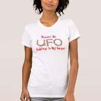 UFOの目撃の…用心して下さい Tシャツ