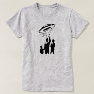 UFOの目撃 Tシャツ