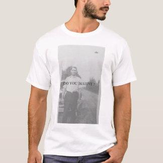 UFOs: 信じます Tシャツ
