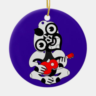 ukeleleを遊ぶHei Tiki セラミックオーナメント