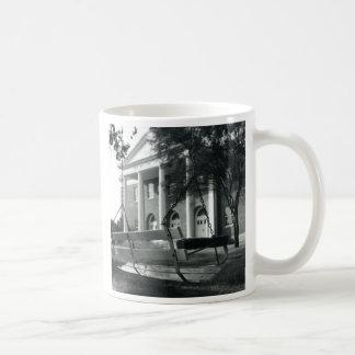 UMHBのチャペル及び振動 コーヒーマグカップ