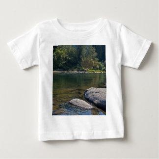 Umpquaの川のプール ベビーTシャツ