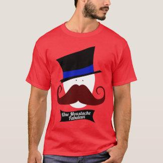 Uneの口ひげFabuleux Tシャツ