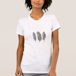 Unique Three Bohemian Tribal Blue Pink Red Feather Tシャツ