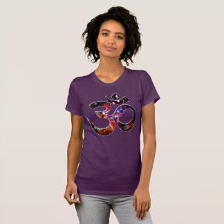 Universal OM Karma Tシャツ