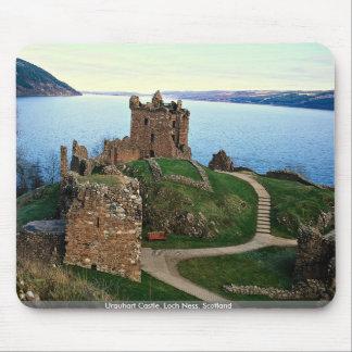 Urquhartの城、ネス湖、スコットランド マウスパッド