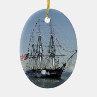 USS憲法の発砲の大砲 セラミックオーナメント
