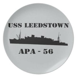 USS Leedstownのシルエット- APA 56 プレート