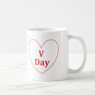 V日の白11のozのクラシックのマグ コーヒーマグカップ