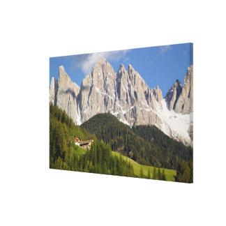 ValのディディミアムFunes、Villnosstalのドロマイト、イタリア キャンバスプリント