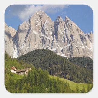 ValのディディミアムFunes、Villnosstalのドロマイト、イタリア スクエアシール