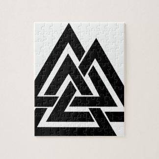 ValknutのバイキングのNorseの北欧の保護記号Odin ジグソーパズル