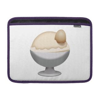 Vanilaのアイスクリーム- Emoji MacBook スリーブ